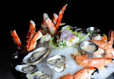 Lobster-and-Crab-Platter at Cut432 Delray Beach