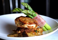 Scallops-with-Fresh-Asparagus-at-Cut432-Delray-Beach